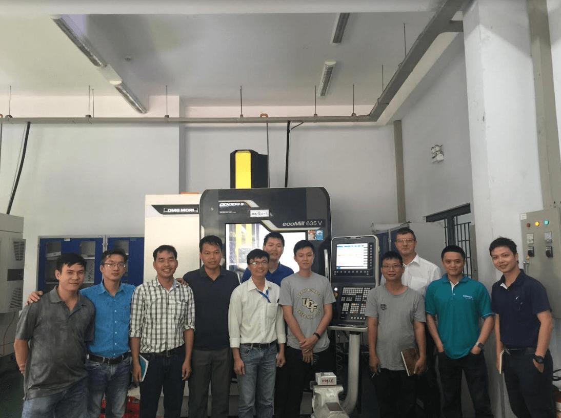 Thực hành hệ điều khiển Sinumerik trên máy CNC DMG